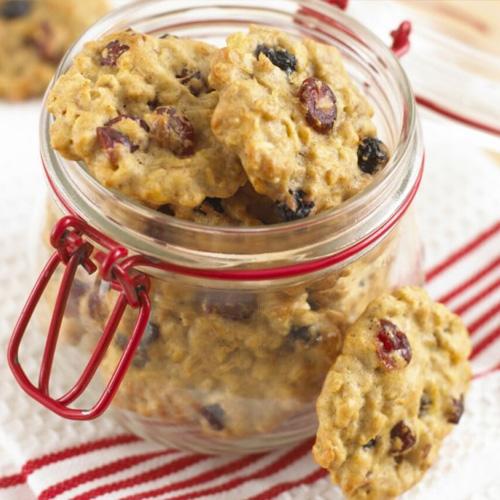 Read more about the article Cookie à l'avoine, aux fruits des bois et à l'orange