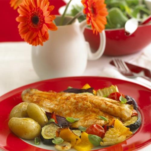 Read more about the article Bar accompagné de légumes grillés