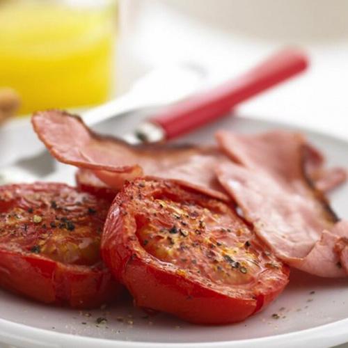 Read more about the article Tomates épicées et bacon croustillan
